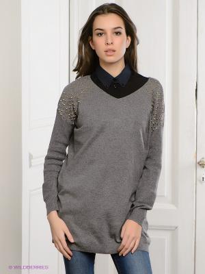 Стильный тандем – женское пальто и пуловер