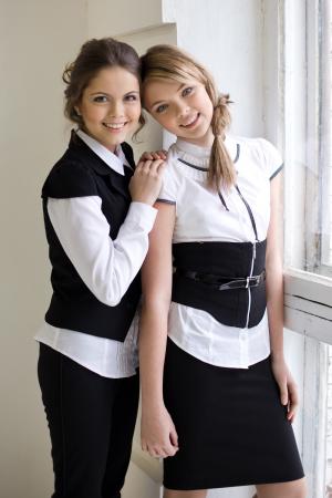 Как стильно одеться девушке в школу