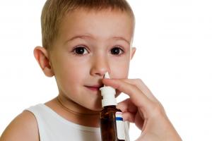 Назальные капли для ребенка