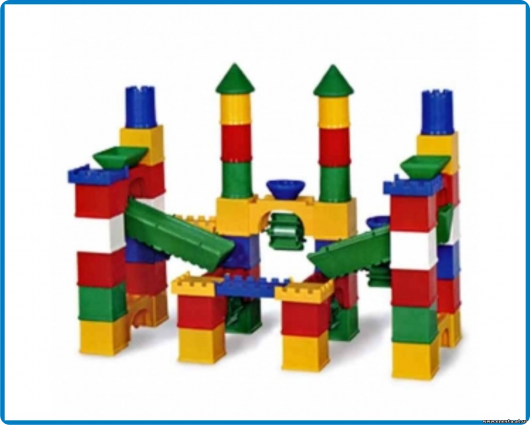 детский конструктор домик