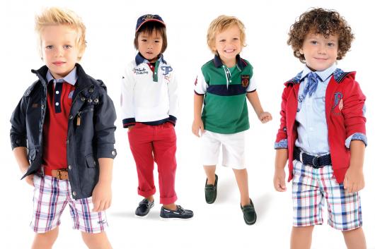 дети в модной детской одежде