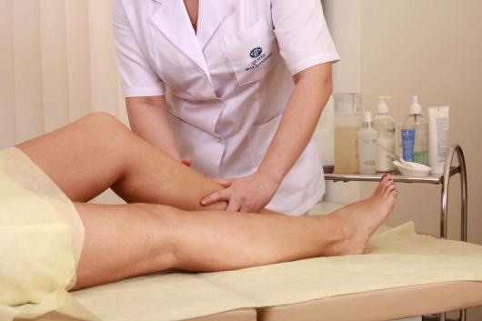 массаж ног девушке