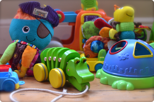 разнообразные детские игрушки