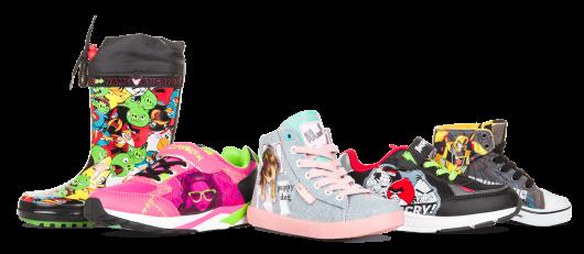 разнообразная детская обувь