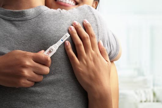 счастливая пара узнала о беременности