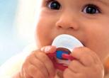 Соска способна предотвратить смерть младенца во сне