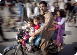 Полиомиелит в Пакистане угрожает жизни детей