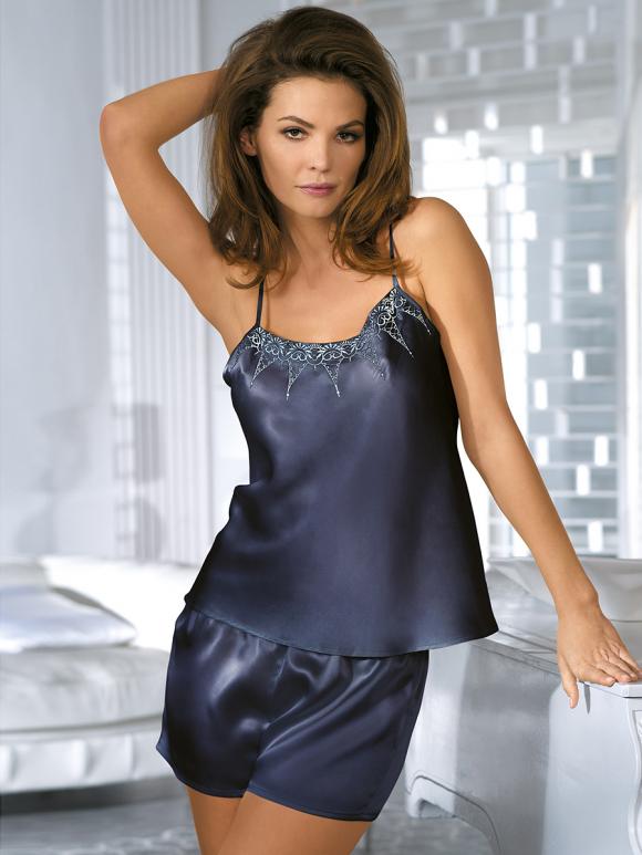 Шелковая одежда для сна – сочетание красоты и комфорта